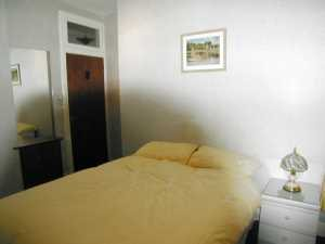 eu027bedroom_300